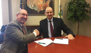 APHL and EPA formalize environmental health partnership | www.APHLblog.org